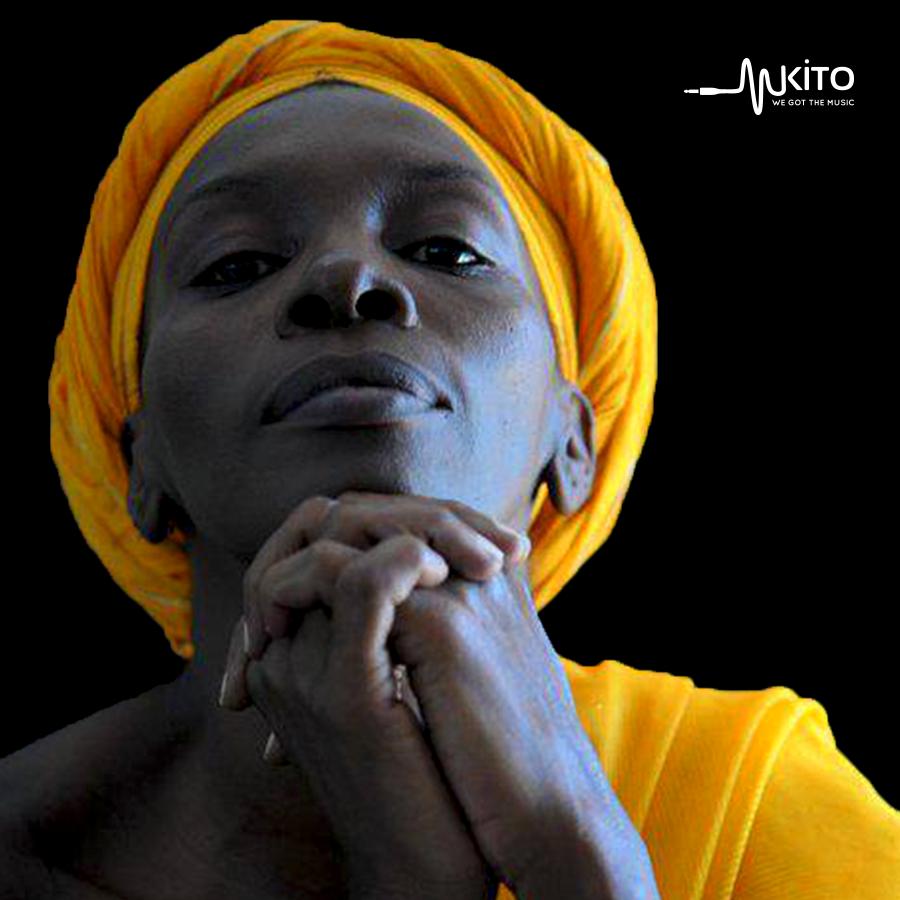 Carola Kinasha - Safari Ni Ndefu